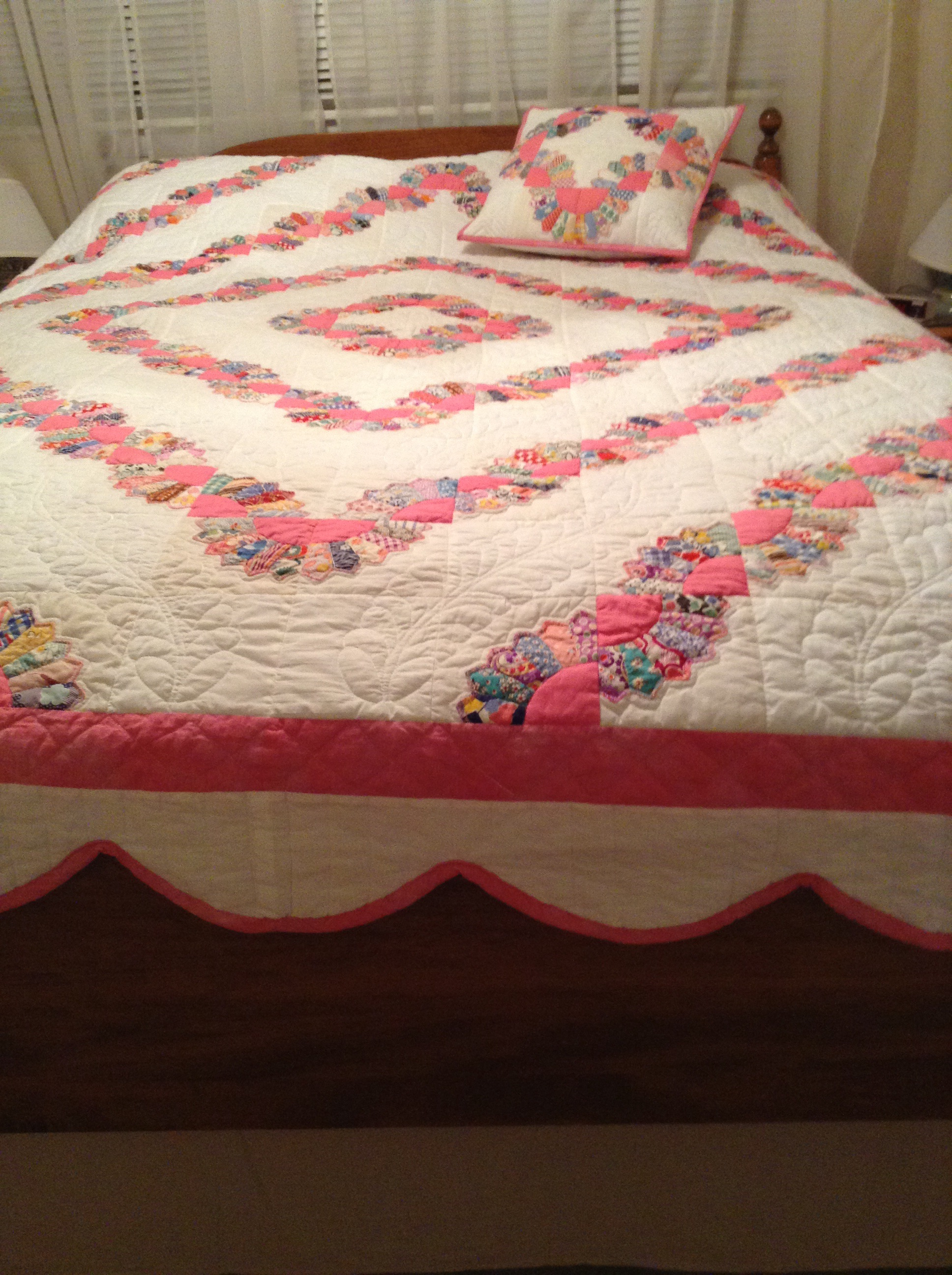 Grandmother's fan | OSuzyQuilts, Free-motion Quilting and Meanderings : grandmothers fan quilt - Adamdwight.com